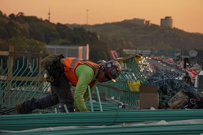 constructores trabajando